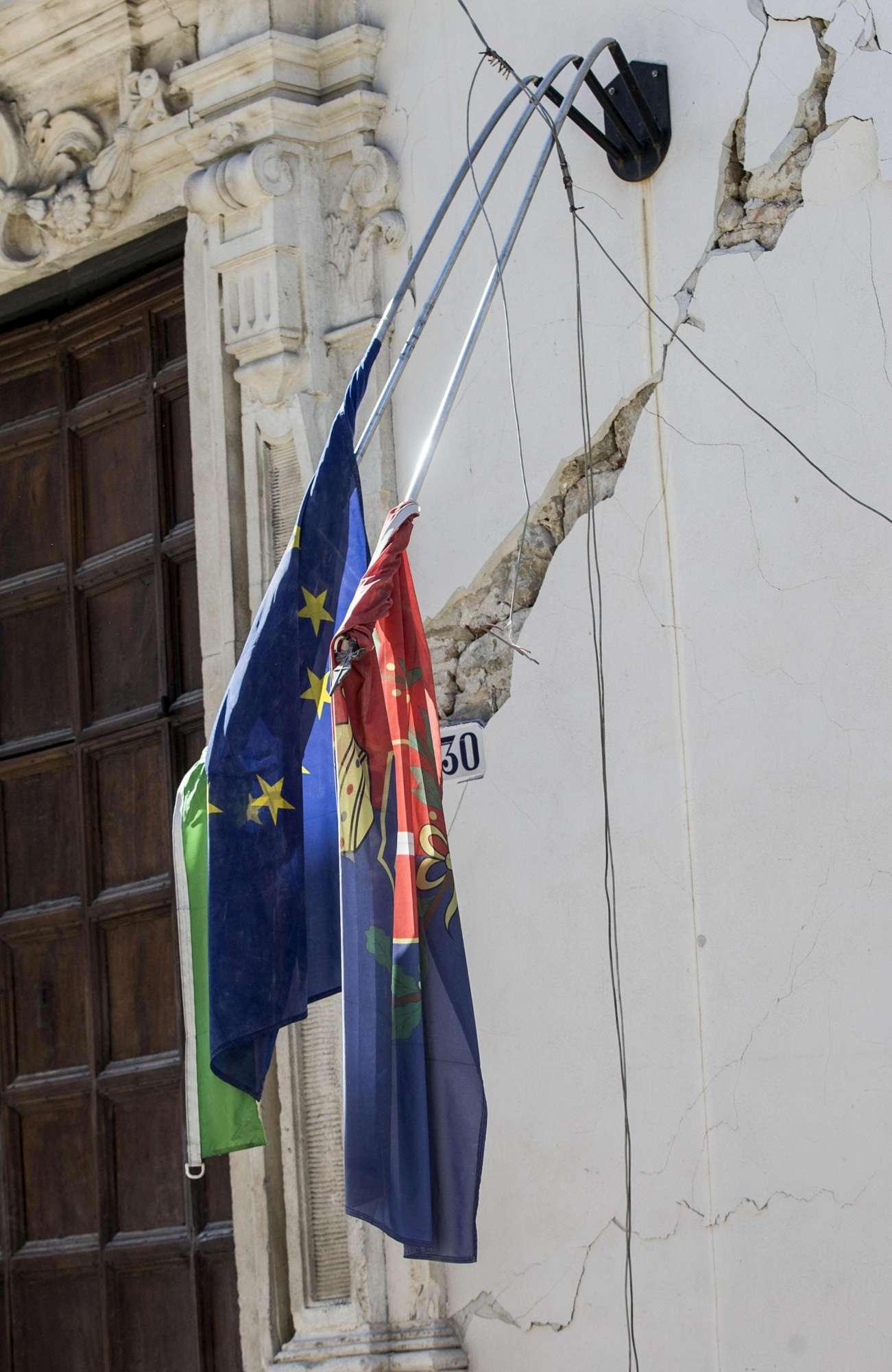 Terremoto nel Centro Italia, le immagini della devastazione