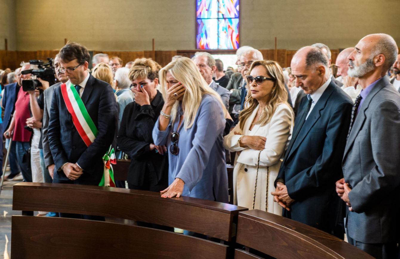Paolo Limiti, l ultimo saluto di vip e gente comune