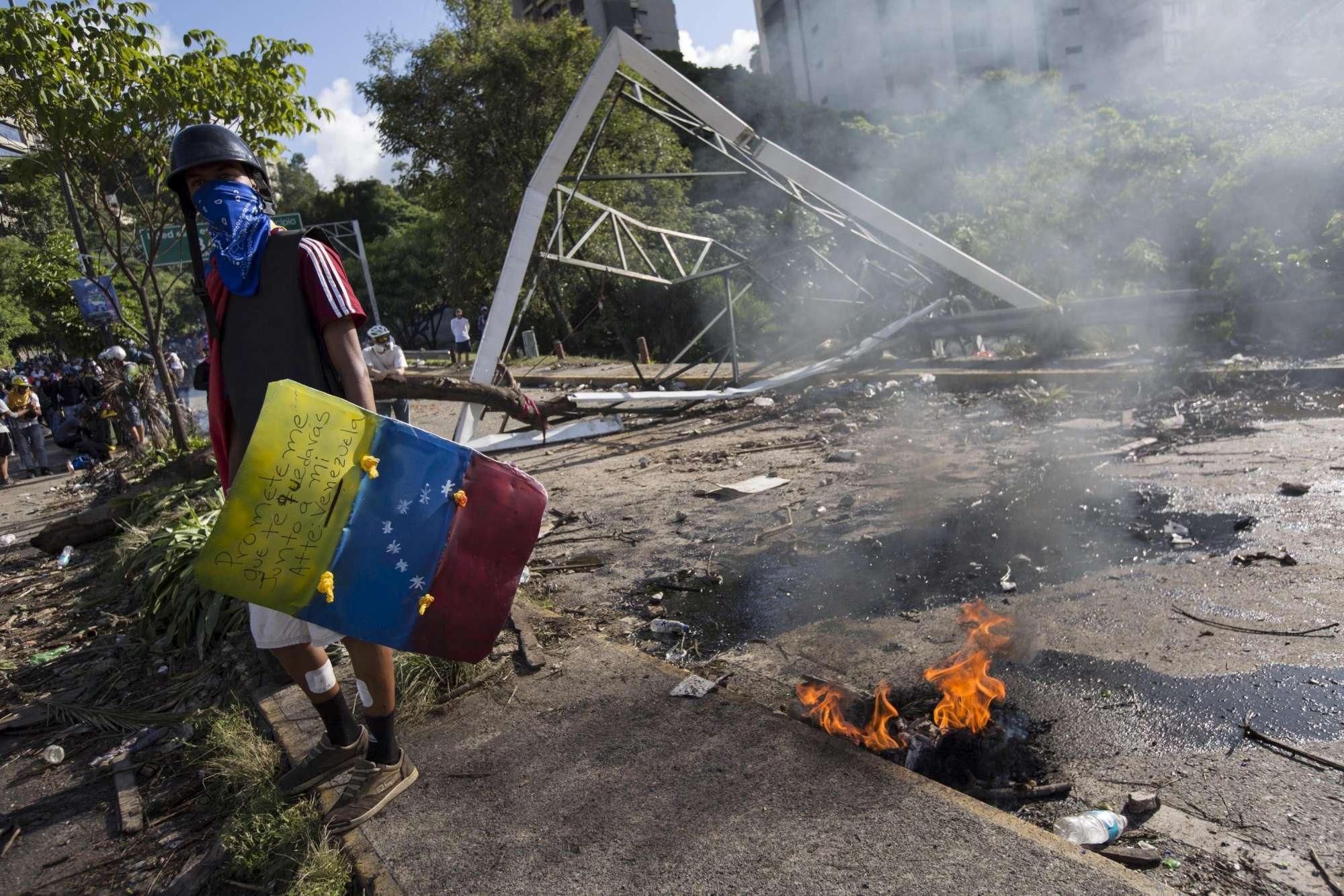 Venezuela al voto tra le proteste: scontri e morti