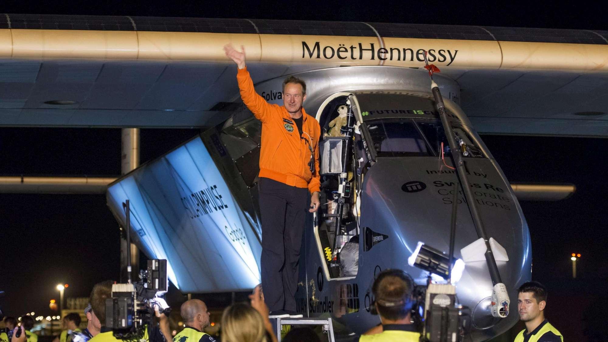 Solar Impulse 2, l aereo solare in viaggio da Siviglia a Il Cairo