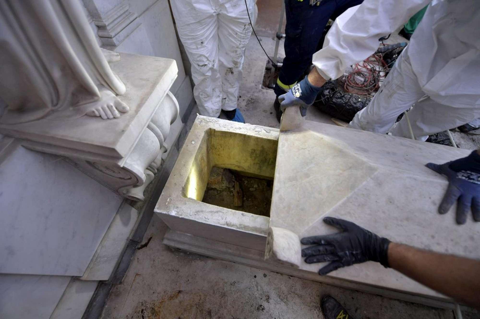 Emanuela Orlandi, tombe vuote in Vaticano