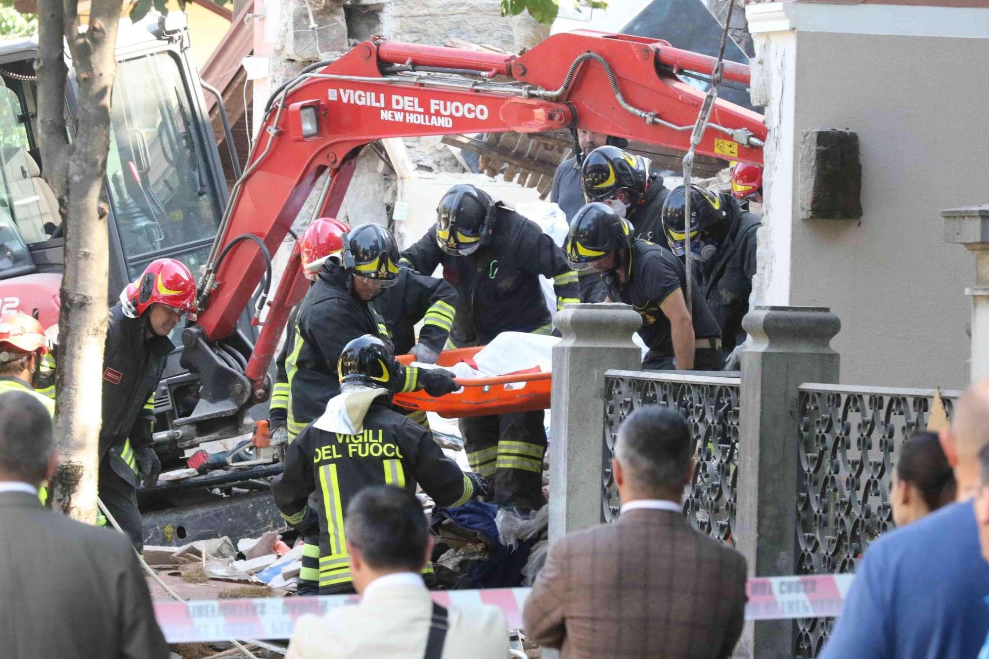 Gorizia, il crollo della palazzina dopo l esplosione