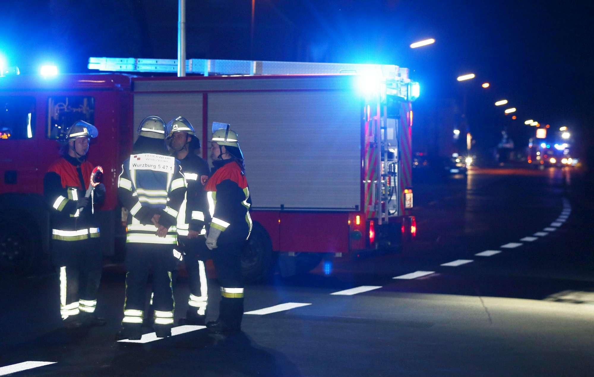 Sale sul treno armato di accetta e semina il panico in Germania