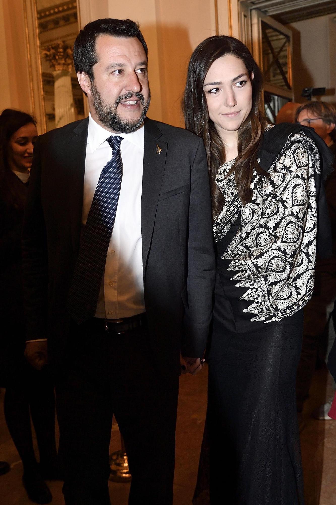 Matteo Salvini con Francesca Verdini alla Scala per il Salone del Mobile
