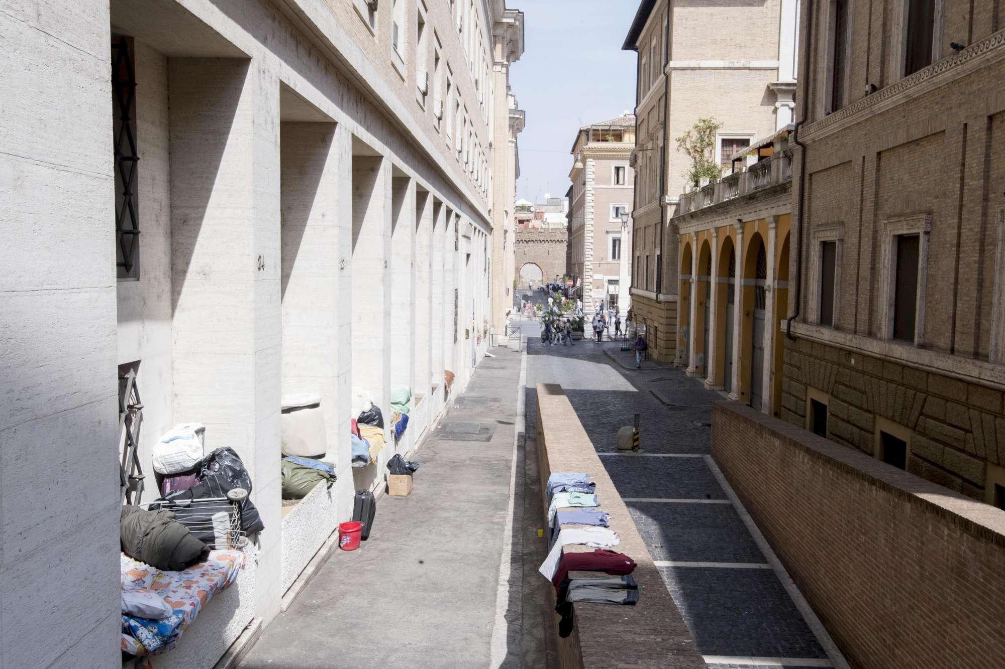 Il Vaticano fa pulizia, via i clochard