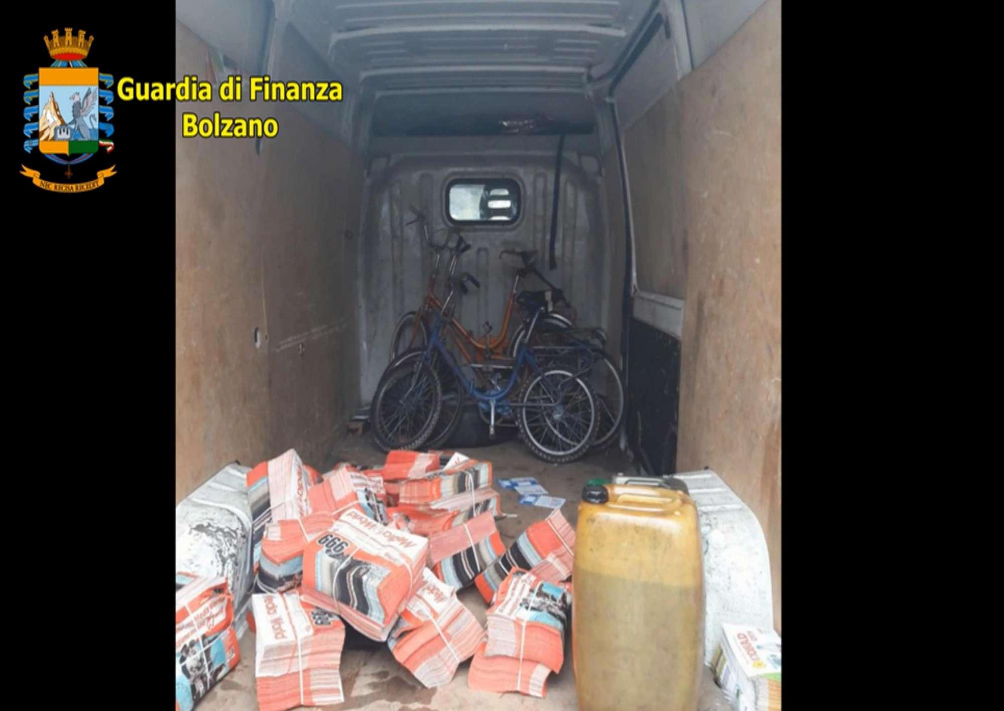 Bolzano, lavoratori in nero controllati col gps utilizzato per i cani: sette denunce