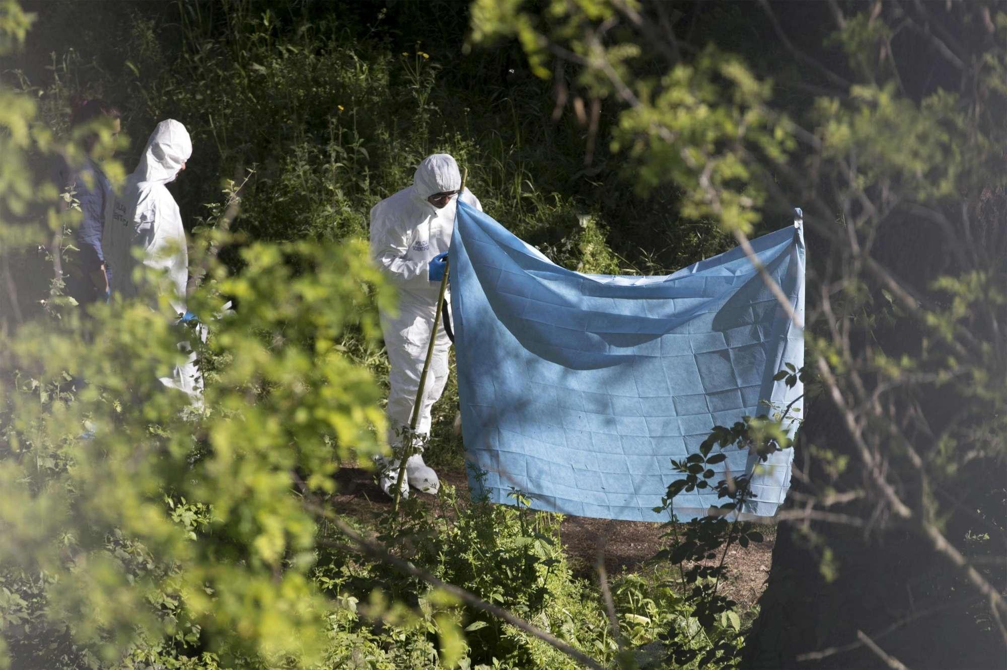Roma, trovato il corpo carbonizzato di una donna in un parco