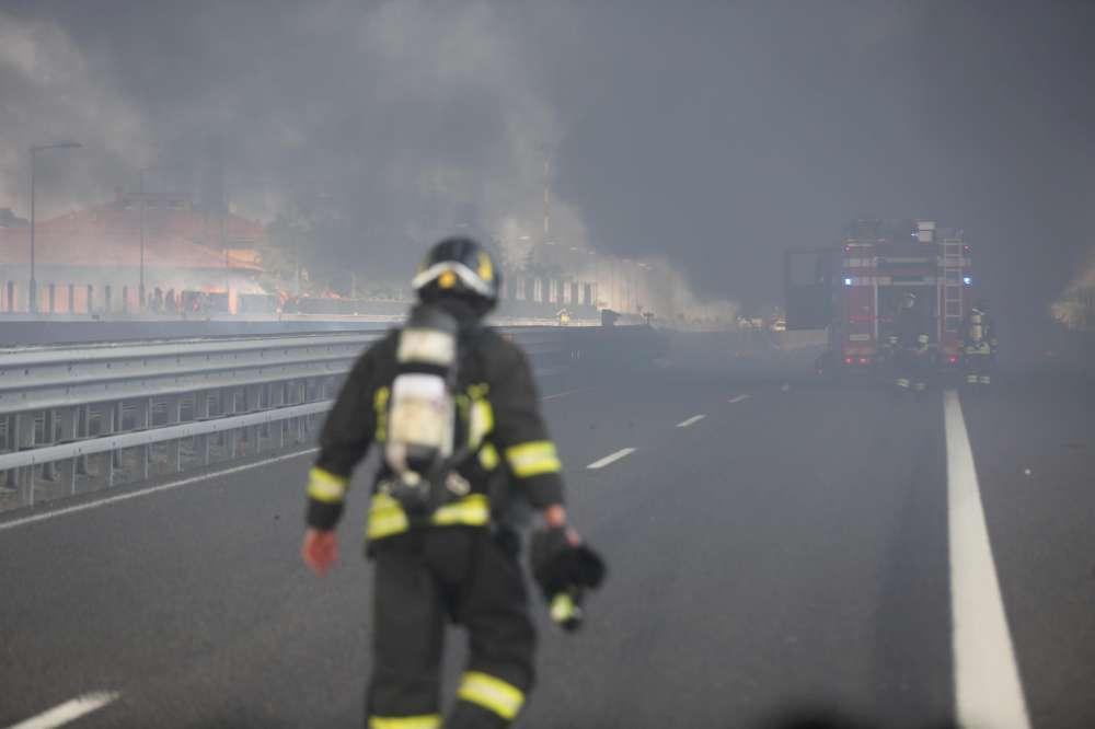 Esplosione in autostrada: un terribile incidente alle porte di Bologna