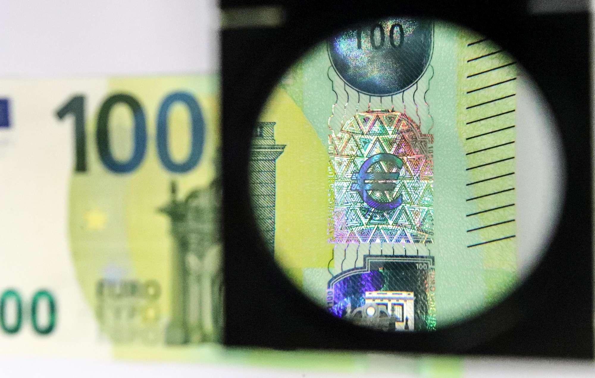6fd241eb3d Guerra ai falsari, in arrivo nuove banconote da 100 e 200 euro - Tgcom24