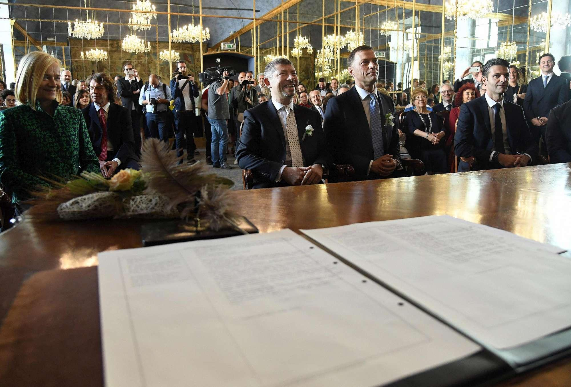 A Milano il sì di Ivan Scalfarotto: primo membro del governo a unirsi civilmente