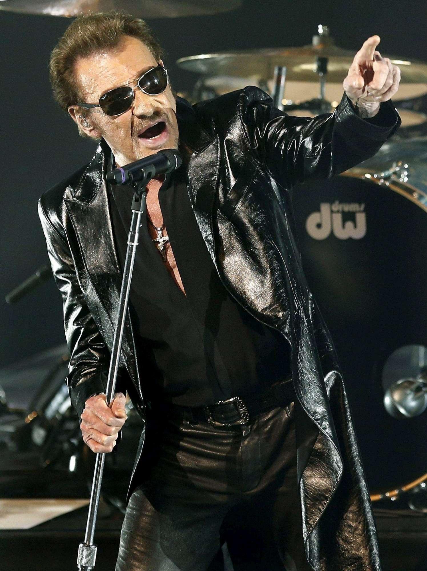 Addio a Johnny Hallyday: la carriera della rockstar in foto