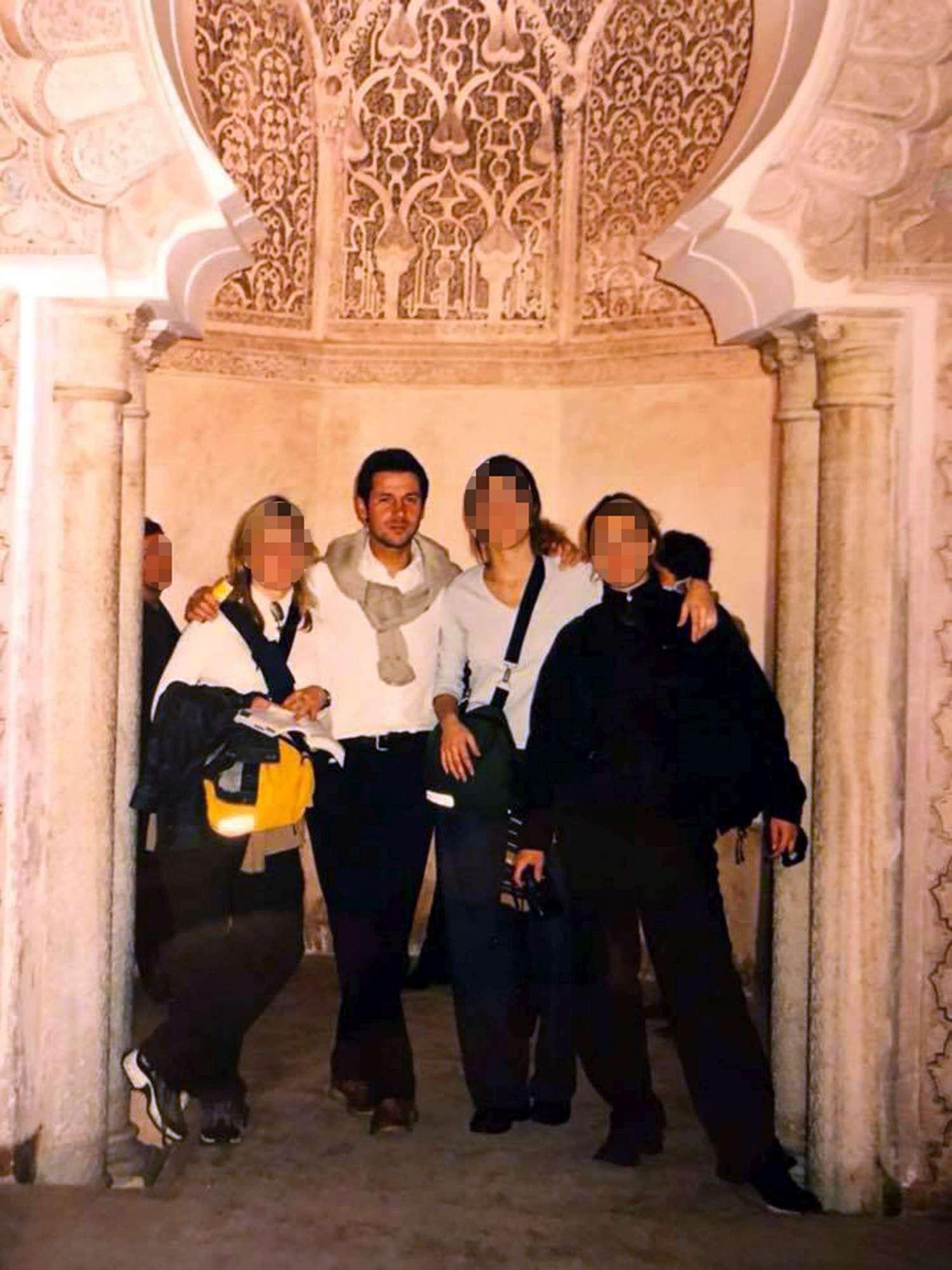 Giuseppe Conte, amica pubblica foto delle vacanze e scherza:  A New York non so, in Marocco c è stato