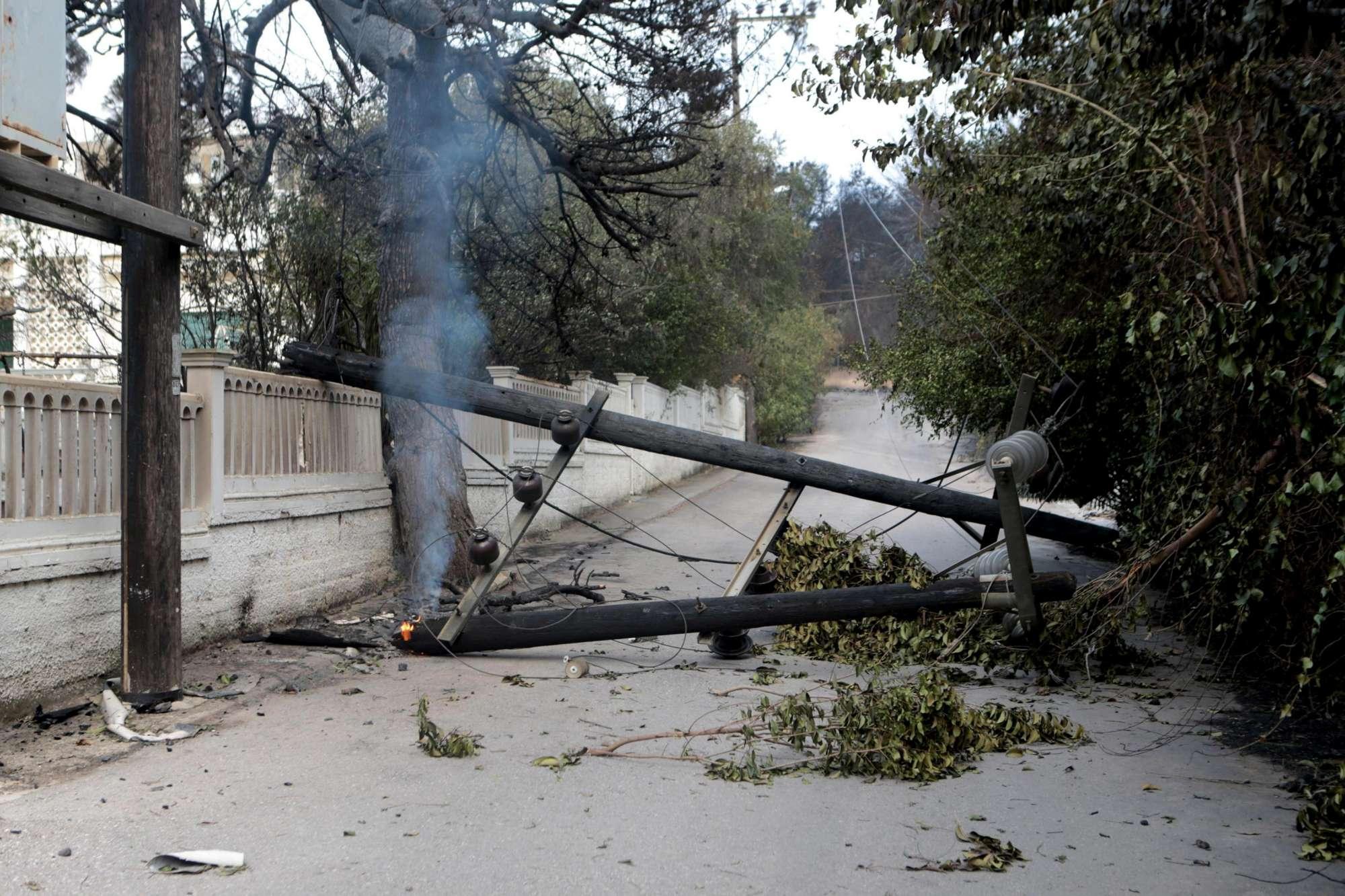 Roghi Grecia, si aggrava il bilancio delle vittime: villaggio cancellato