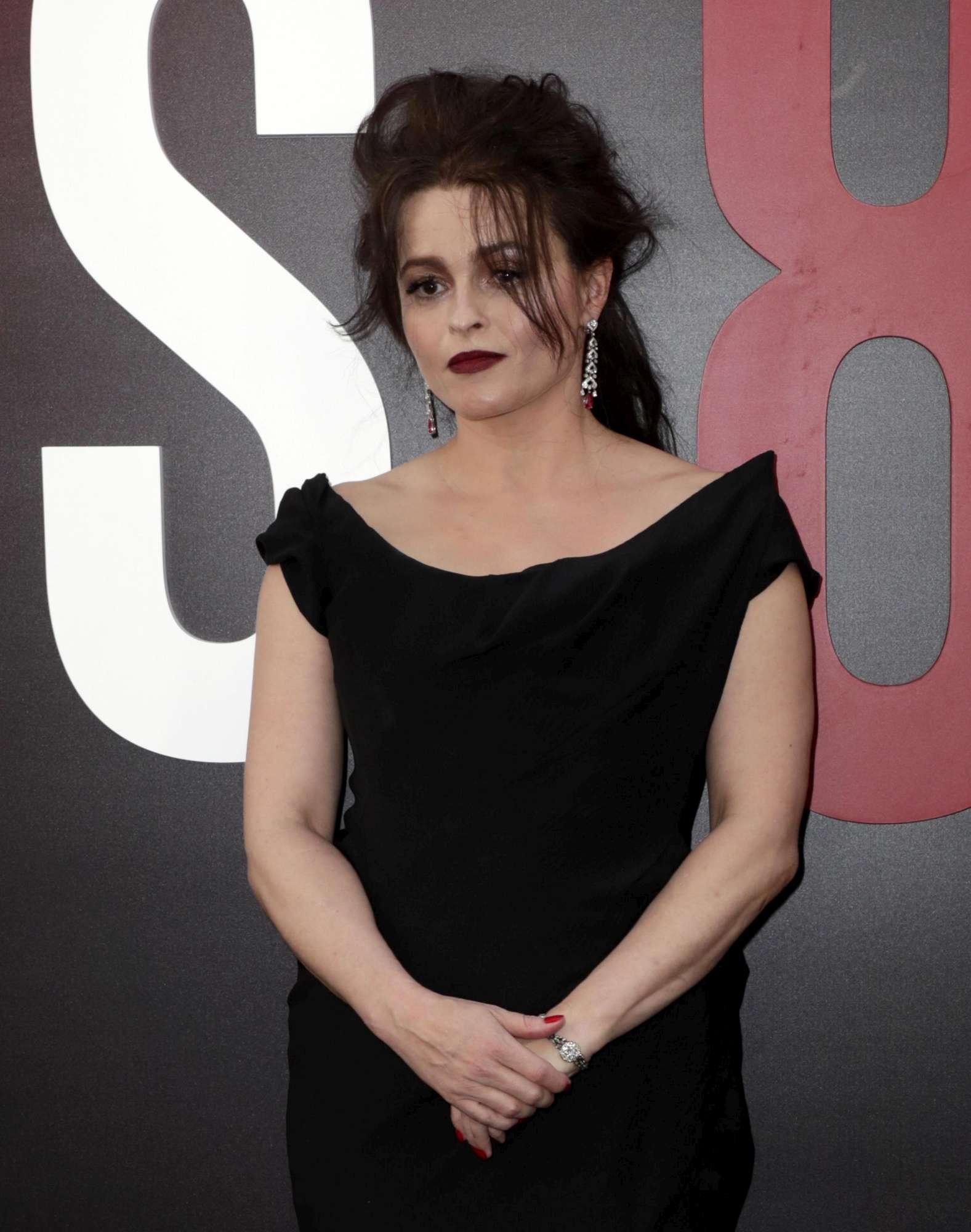 Helena Bonham-Carter in contatto con lo spirto della Principessa Margaret