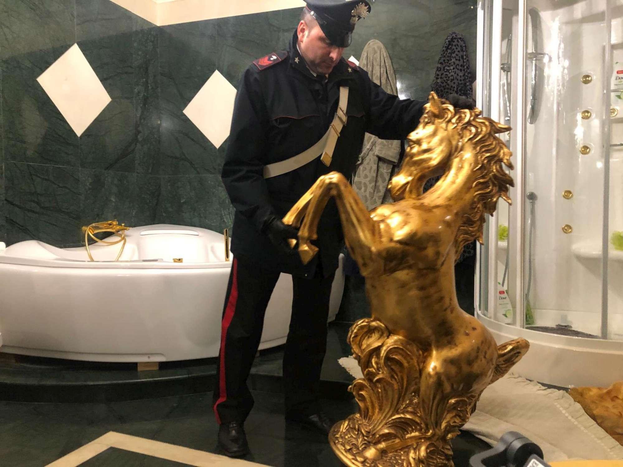 Roma, blitz dei carabinieri contro i Casamonica: arresti e beni sequestrati