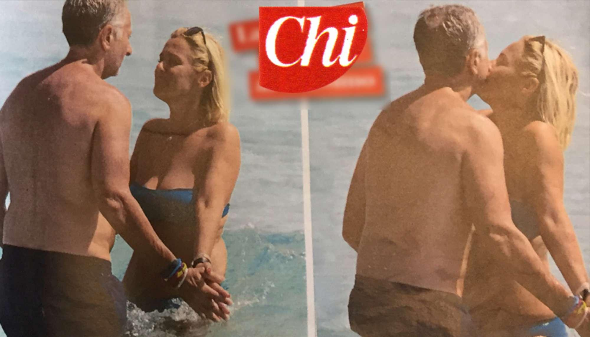 Paolo Bonolis, relax a Formentera in famiglia