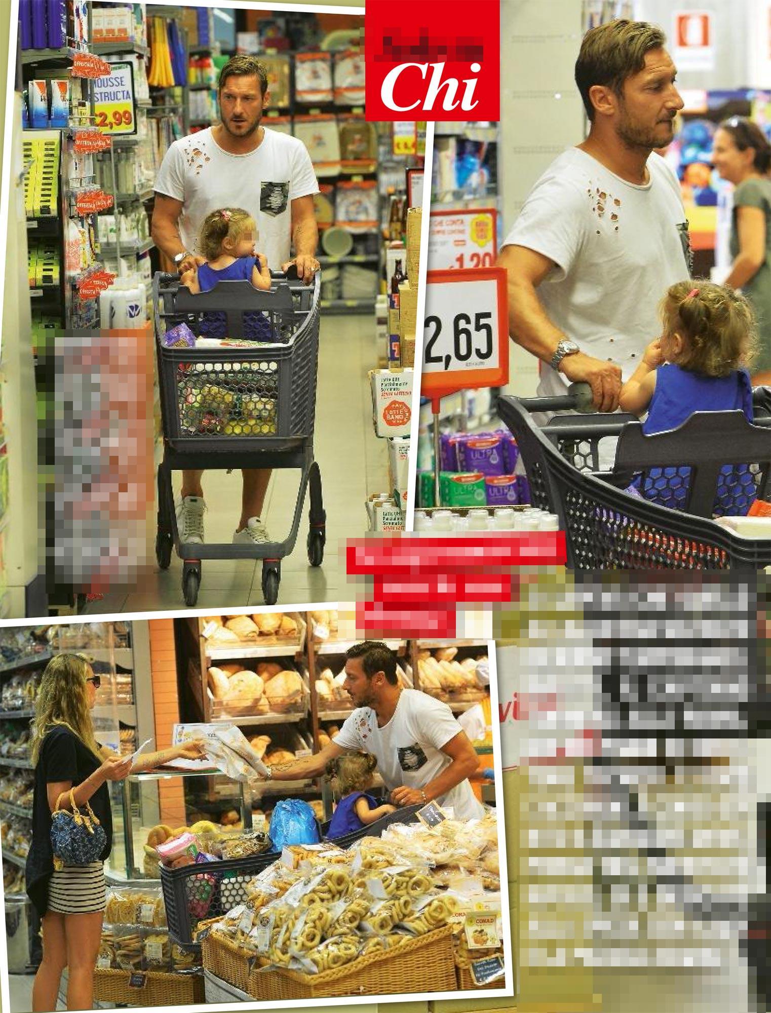 Francesco Totti fa la spesa con Ilary a Sabaudia