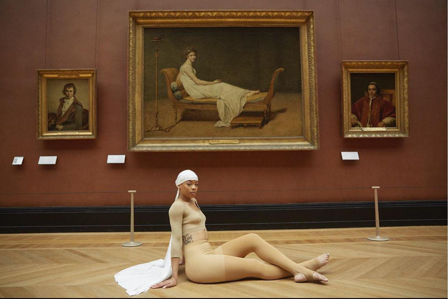 Jay-Z e Beyoncé, coppia glam tra le sale del Louvre in  Apeshit