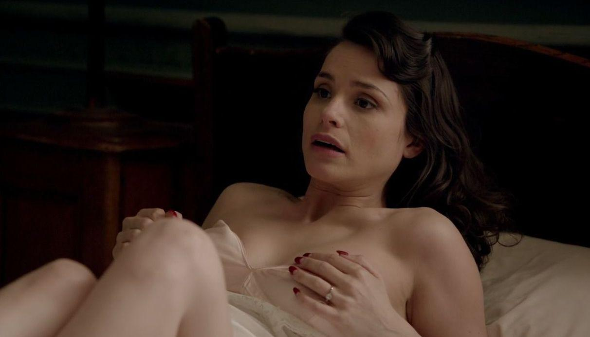 Charlotte Riley, le scene hot in   Close To The Enemy