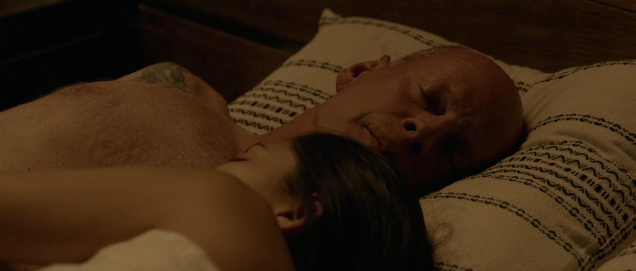 Le scene di nudo di Bruce Willis nel nuovo  Once Upon a Time in Venice