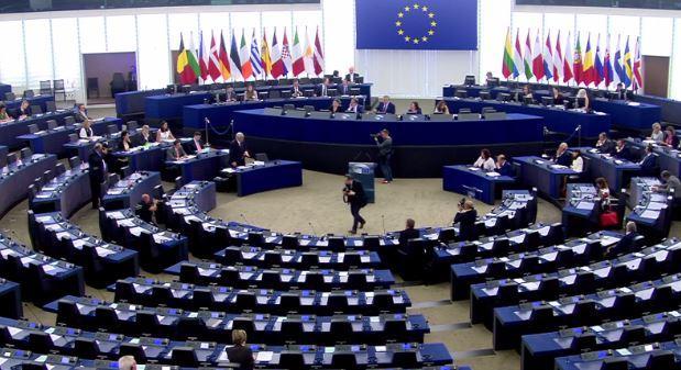Migranti, plenaria al Parlamento Ue: ma i banchi sono quasi tutti vuoti
