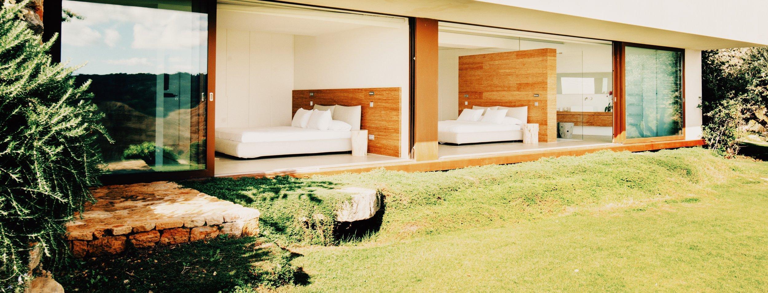Vacanze da nababbi per Meghan e Harry: ecco la villa super lussuosa a Ibiza