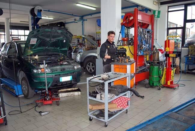 In Italia 624 auto per 1.000 abitanti