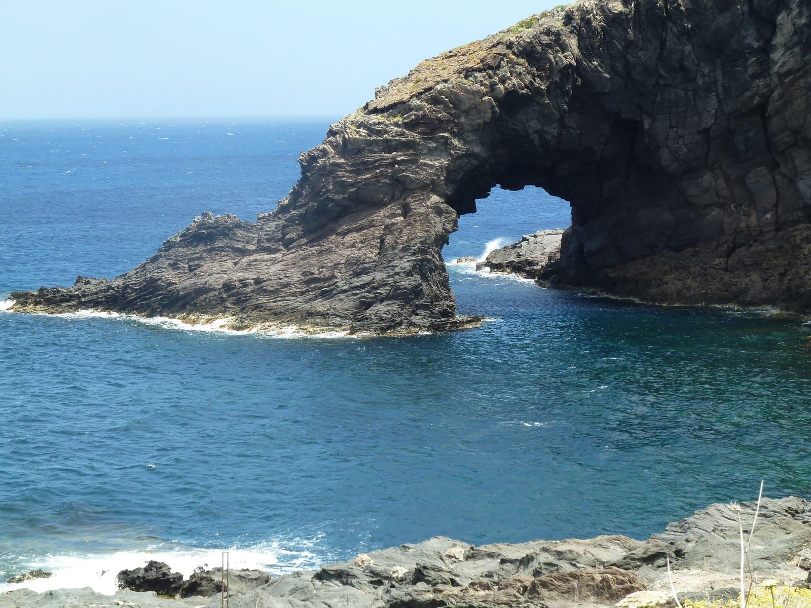 Pantelleria: spiagge straordinarie e cucina al top
