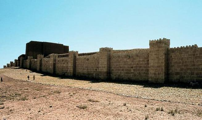 L'Isis distrugge le mura di Ninive