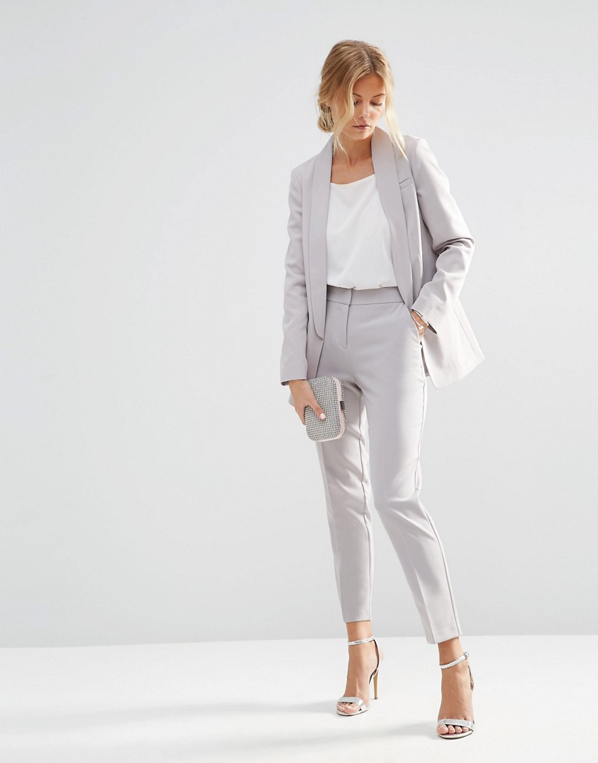 Moda Come Vestirsi Per Un Colloquio Di Lavoro Tgcom24