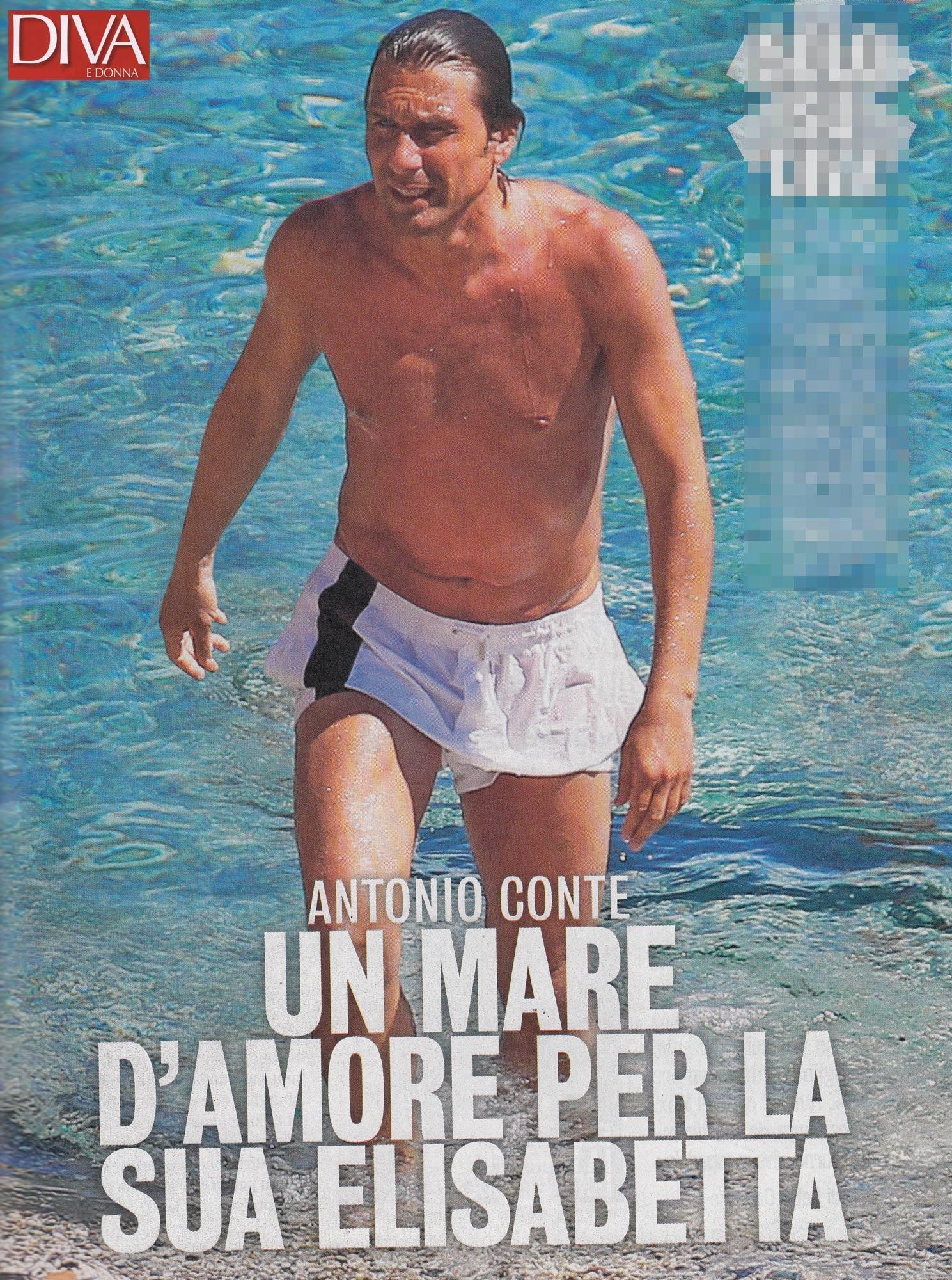 Antonio Conte, muscoli e addominali scolpiti tra le onde