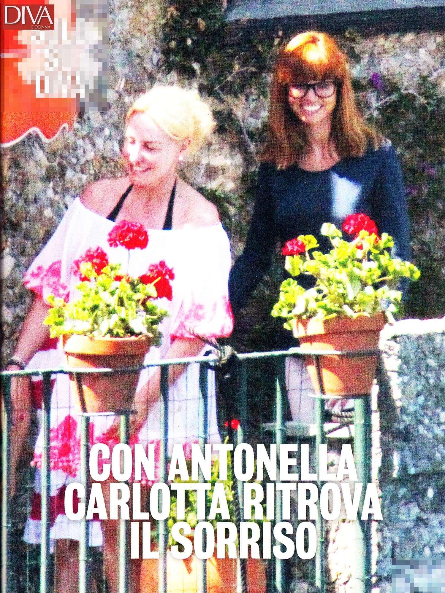 Antonella Clerici a Portofino con Carlotta e Stella Frizzi