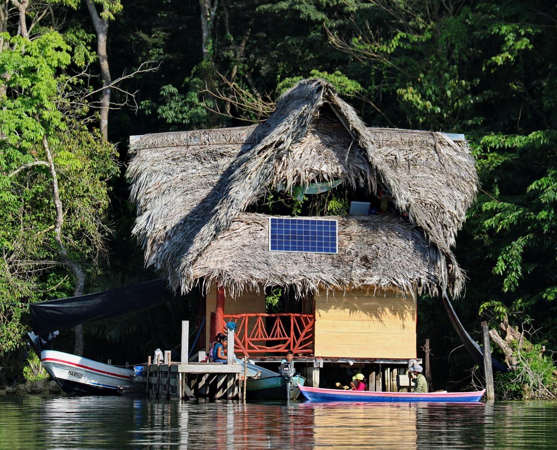 Donnavventura: in navigazione sul Rio Dulce in Guatemala