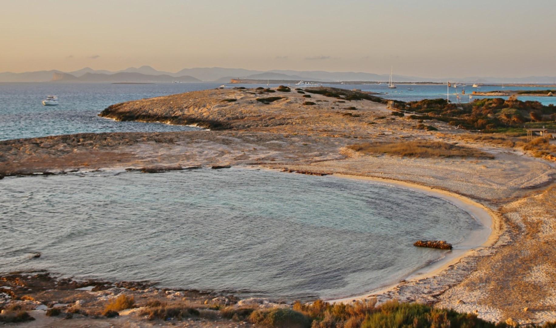 Baleari: il mare di Ibiza e Formentera