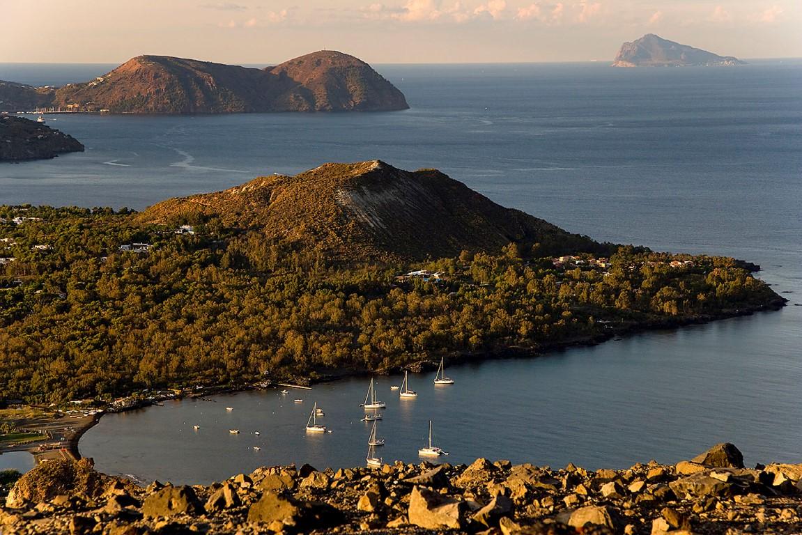 Donnavventura alle eolie l 39 isola di vulcano un sogno ad for Isole da sogno a sud della birmania codycross