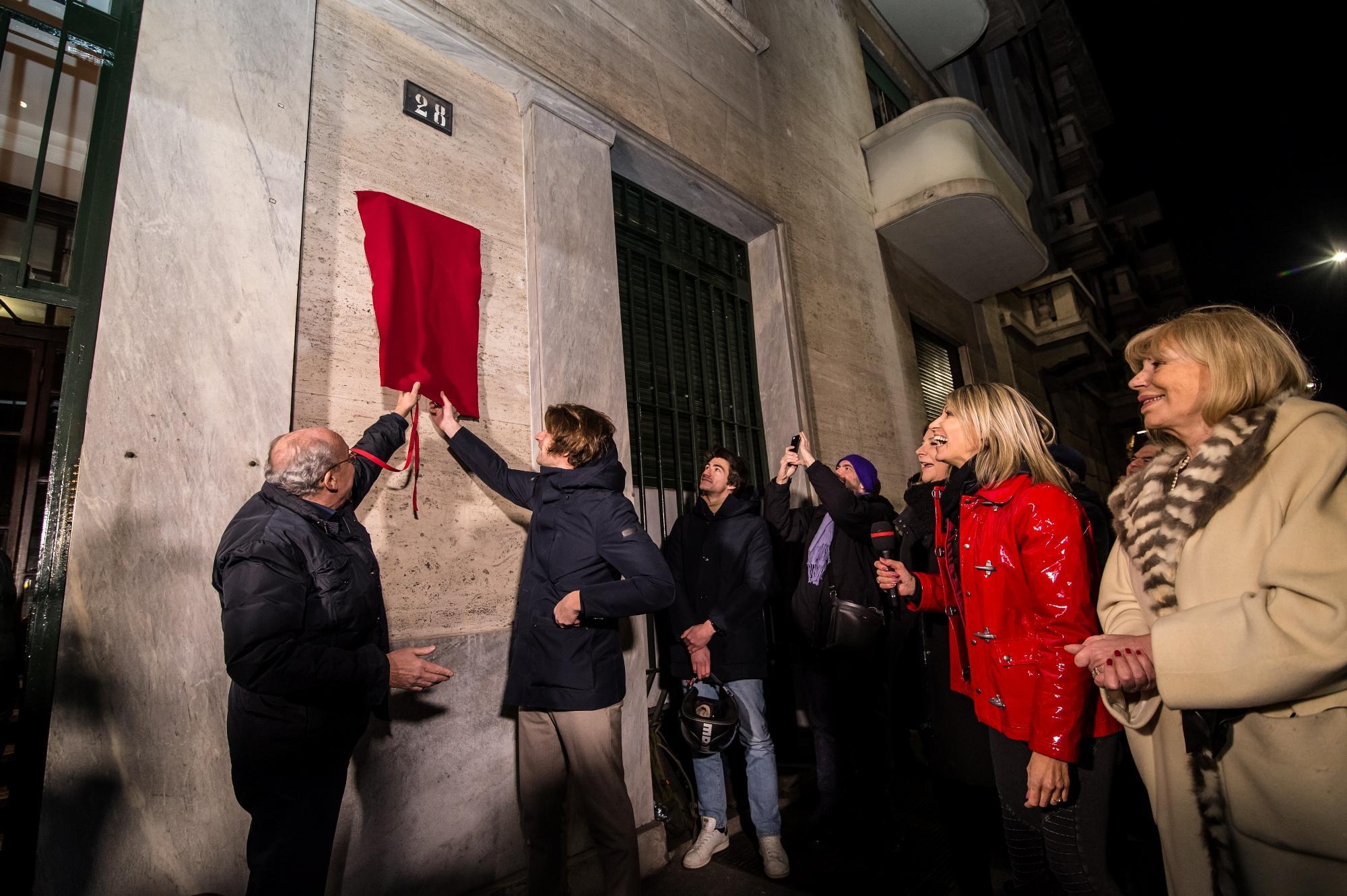 Giorgio Gaber, a Milano apposta targa per gli 80 anni dalla nascita