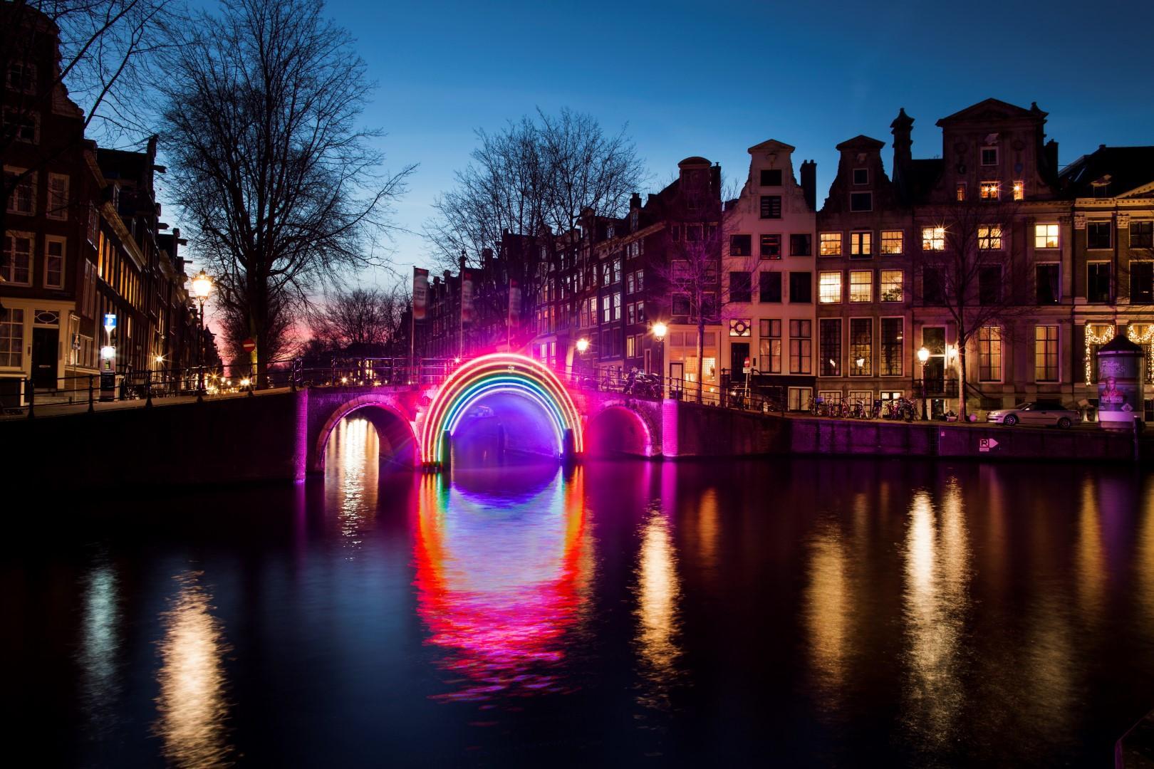 Olanda: le fantasmagoriche notti di Amsterdam