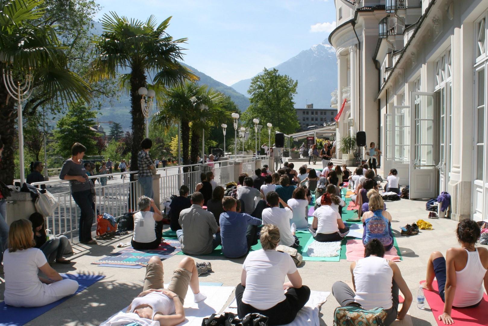 La salute innanzitutto: meeting yoga a Merano
