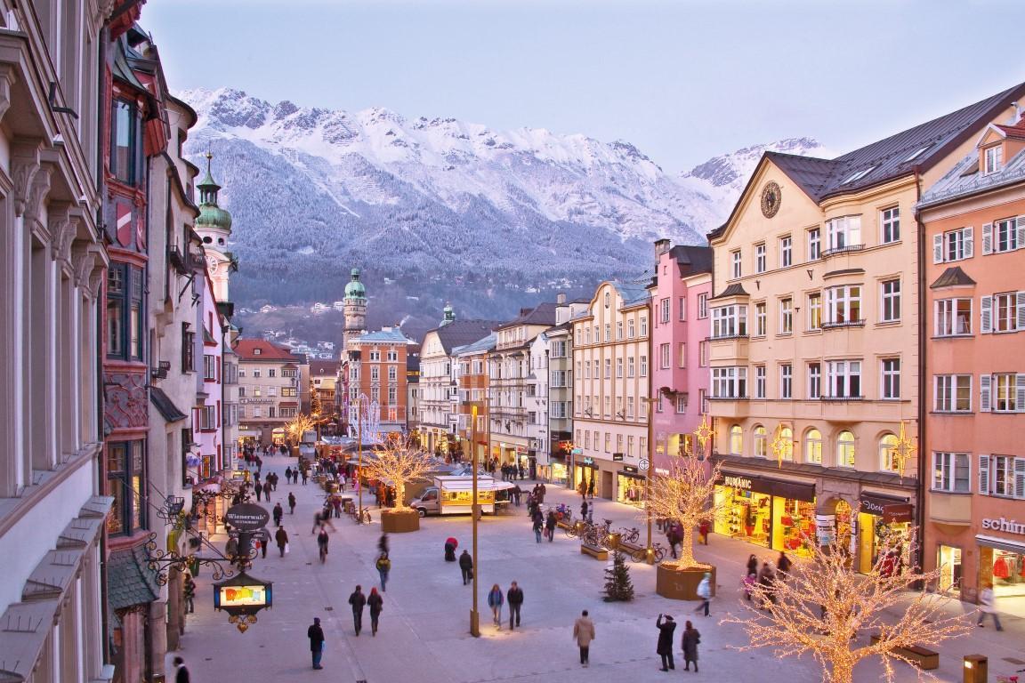 Innsbuck: lightshow natalizio nella  capitale delle Alpi