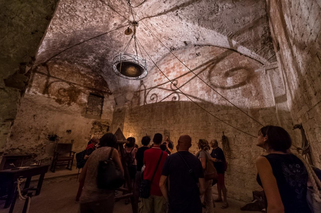 Credenza Perugia : Orvieto narni perugia nelle viscere della storia tgcom