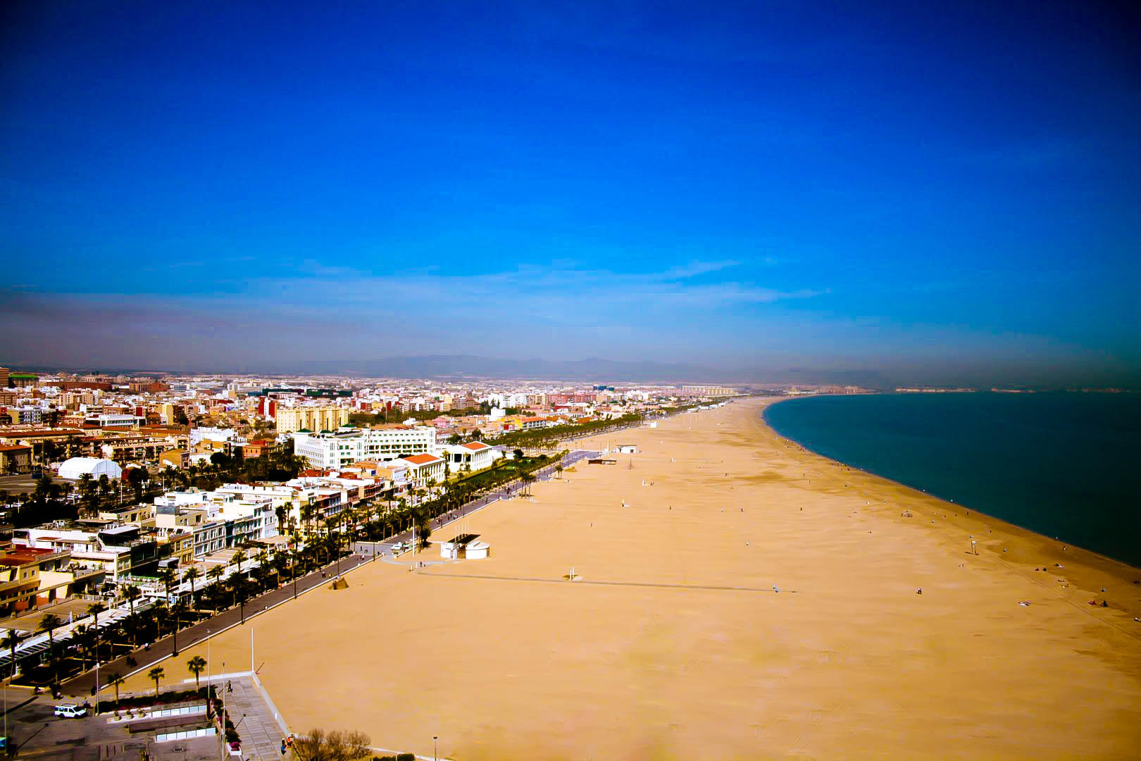 Valencia, dolce vita tra belle spiagge e squisite paellas