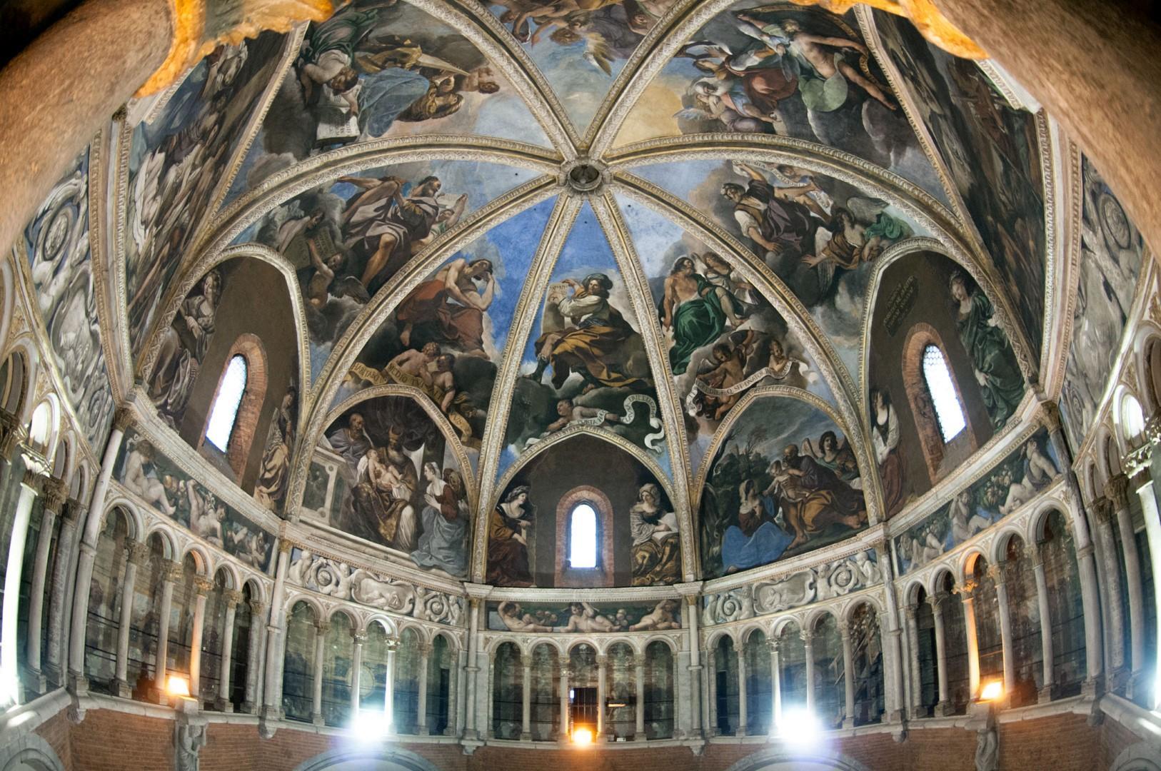 Paradisi a portata di mano: andar per cupole in Emilia