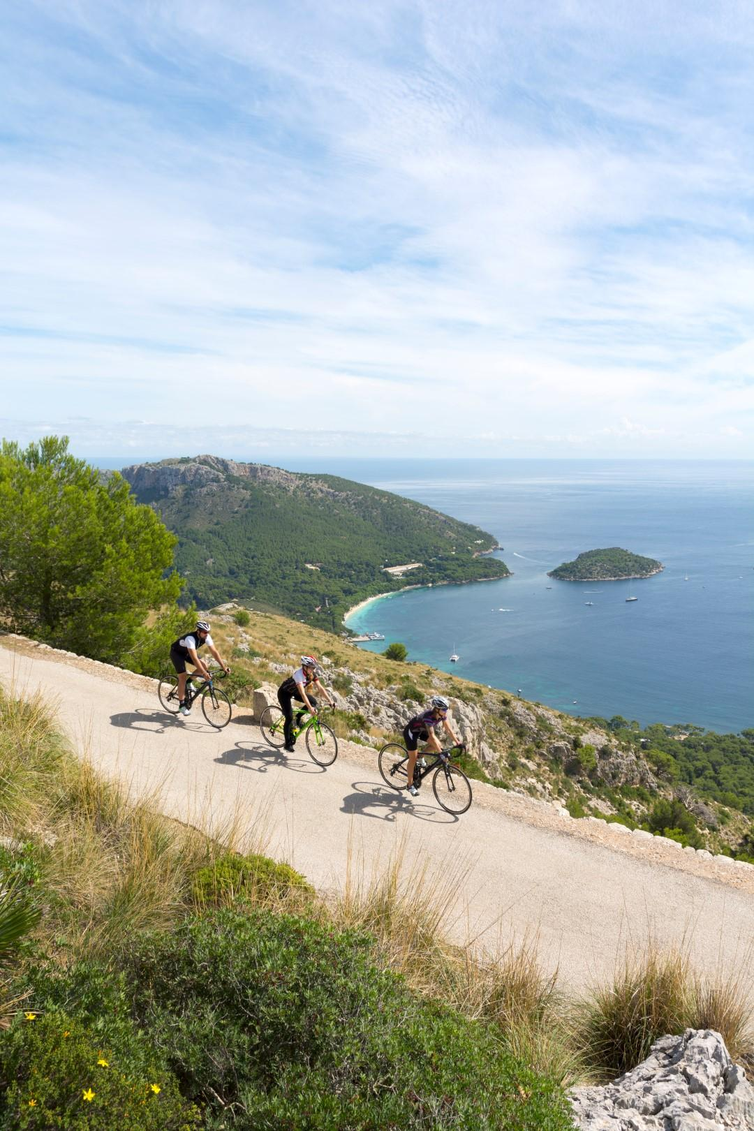 Baleari d inverno, ideali per il trekking e mountain bike