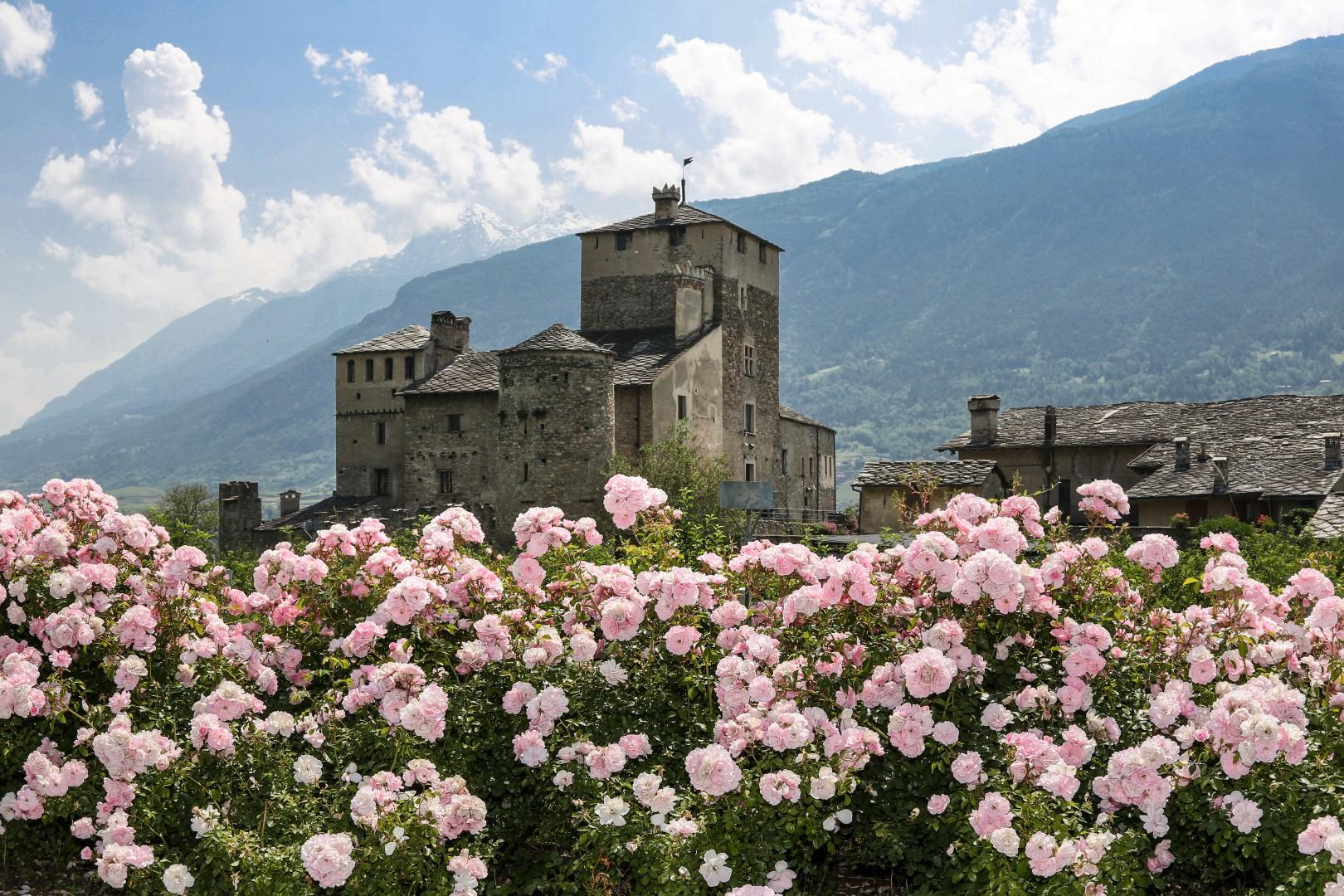 D'aostaTra Tgcom24 E Incantevole Sapori Val Castelli Unici b76fyIvmgY