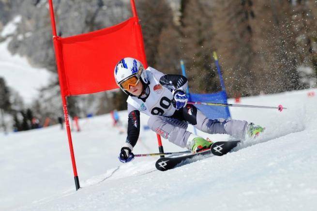 Cortina, multato perché depose fiori sulla pista da sci dove morì il figlio
