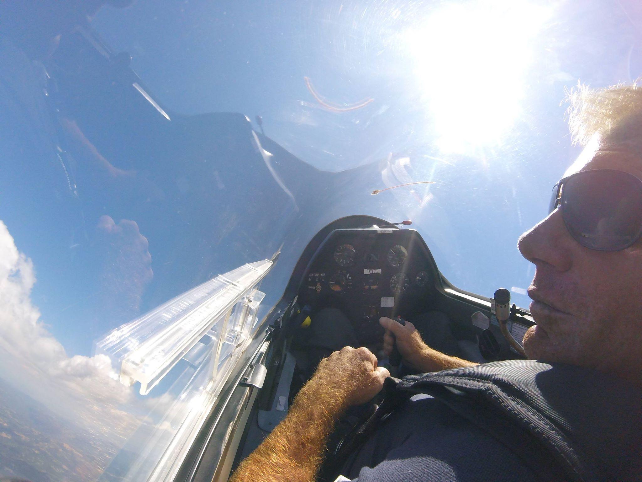 Sull aliante dimentico la mia disabilità : a Tgcom24 il primo paraplegico abruzzese con il brevetto di volo