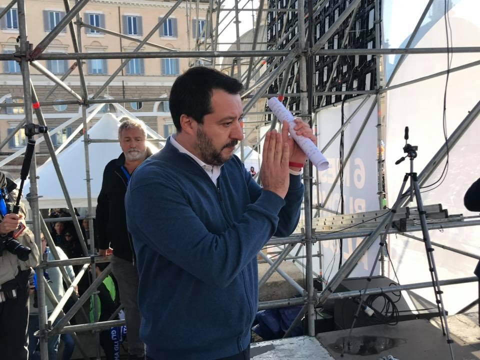 La Lega a piazza del Popolo a Roma, Salvini:  Uniti non ci ferma nessuno