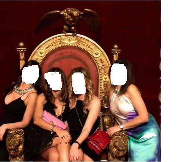 Napoli, in quattro sul trono di re Ferdinando II: è polemica