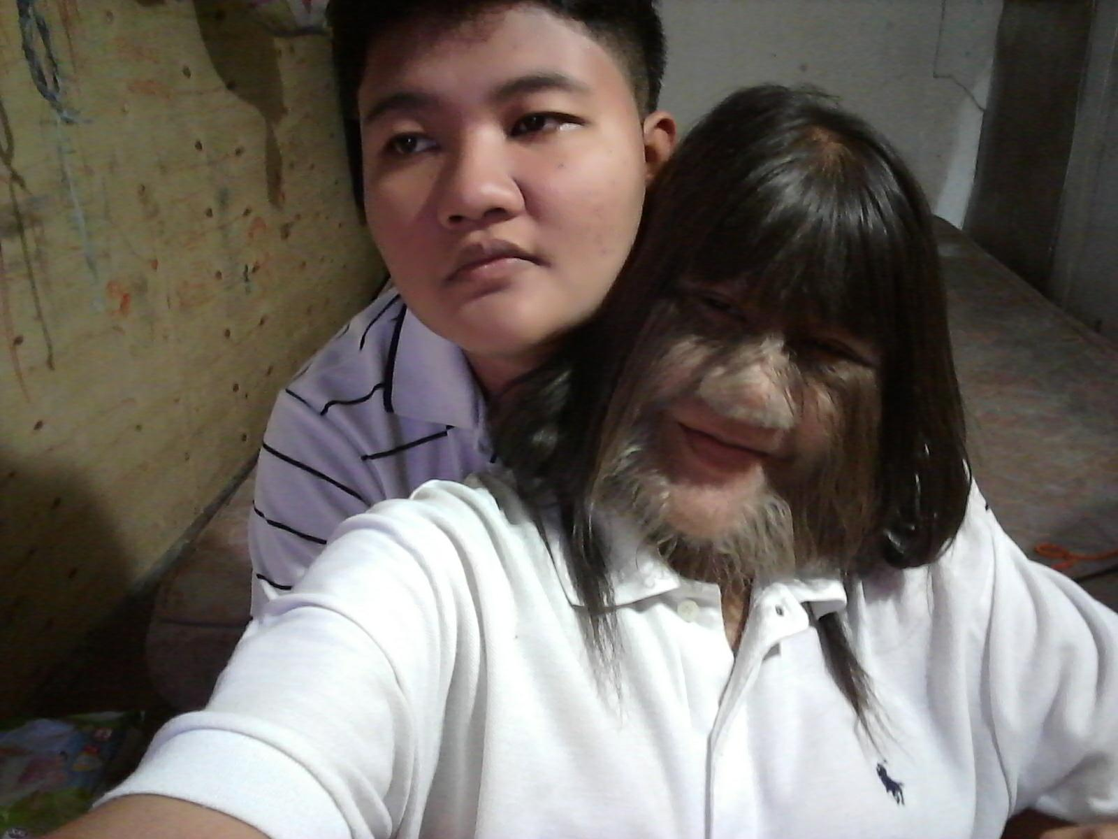 Thailandia, la donna più pelosa del mondo si depila per le nozze ...