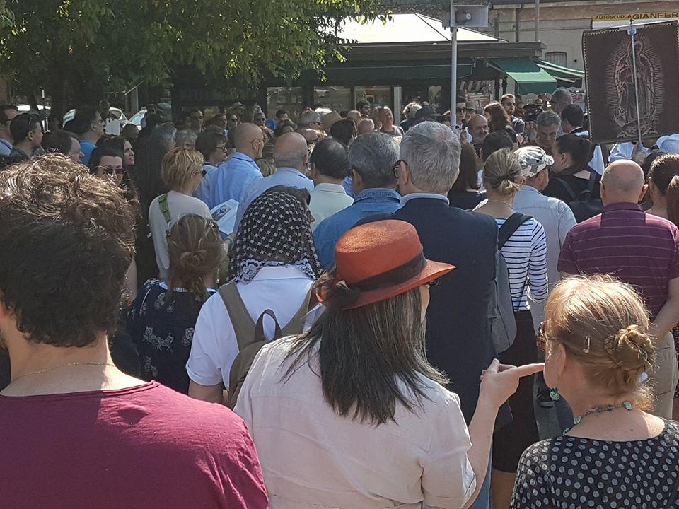 Reggio Emilia, la  processione di riparazione  contro il Gay Pride
